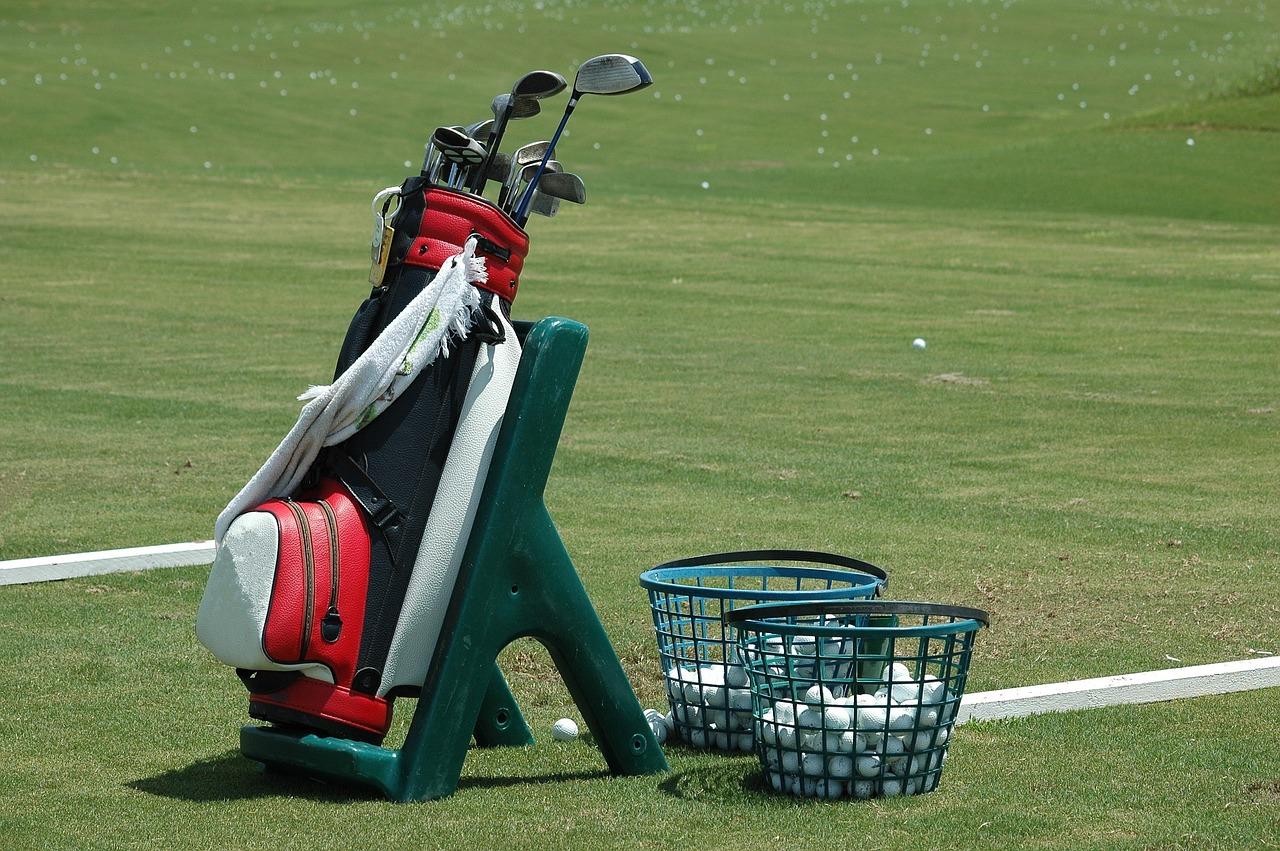 ゴルフを始めるのに必要な基本道具